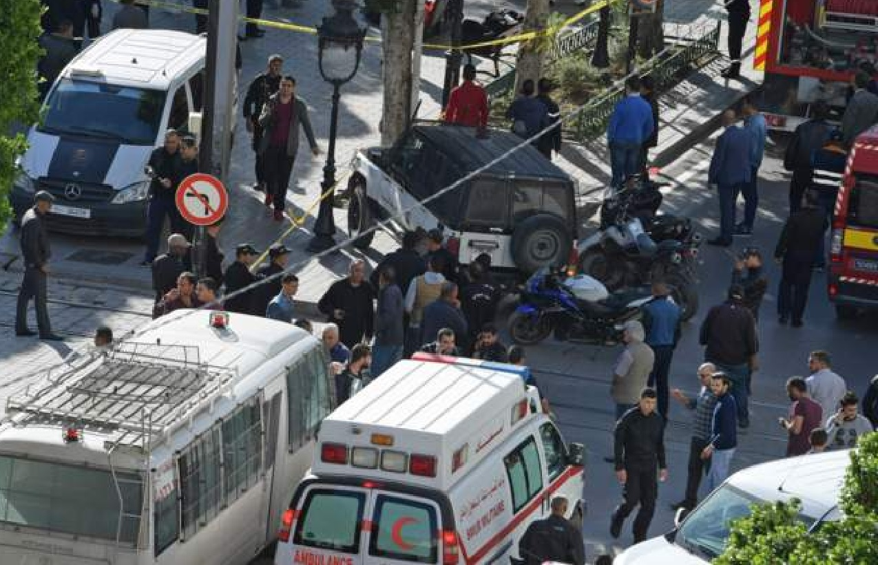 Central Tunis hit by suicide bomb blast