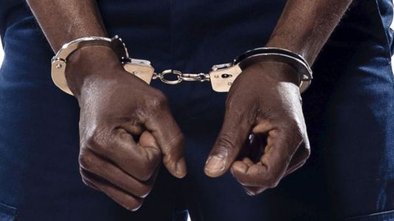 <a href= '200228114500/police-arrest-60-year-old-man-over-alleged-defilment-of-3-year-old-girl'>Police arrest 60 year old man over alleged defilment of 3 year old girl</a>