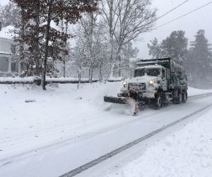 Weekend of heavy snow storm leaves 310,000+ without power in US